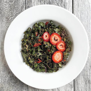 Kale Salad with Homemade Goji Berries Dressing