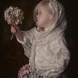Flower girl by Carola Kayen-mouthaan - Babies & Children Child Portraits ( girl, fine art, portrait, flower )