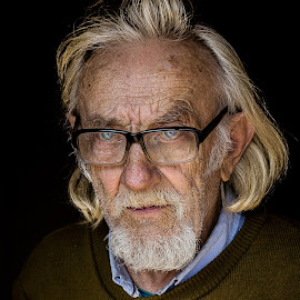 Old painter from Bruxelles by Costin FETIC - People Portraits of Men ( old, blonde hair, bruxelles, portraits of man, portrait, eyes, blonde, bucharest, life, blue, blue eyes, nostalgy, men, painter, portraits, painting, man )