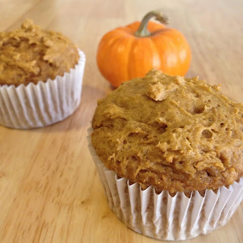 2-Ingredient Pumpkin Spice Muffins