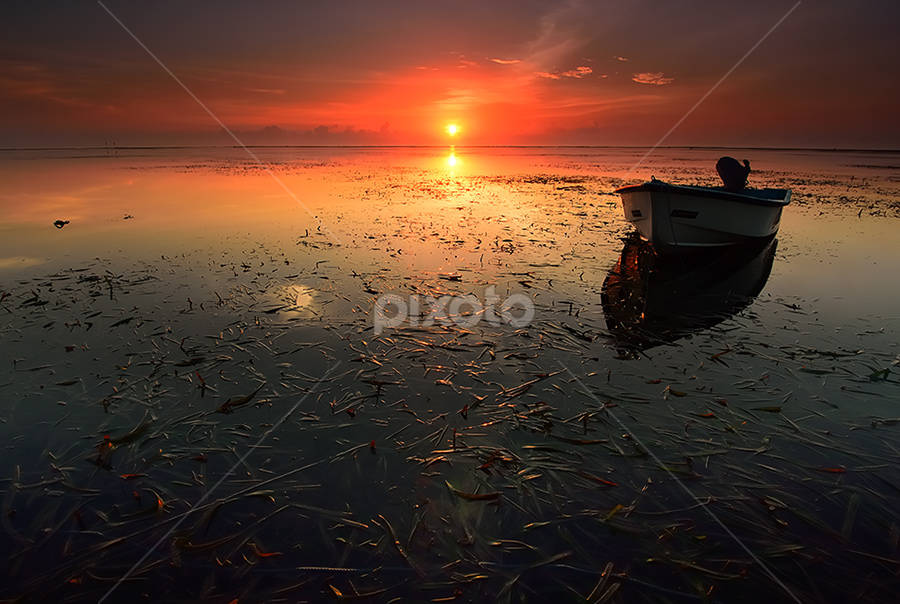 sunrise boat by Dody Herawan - Landscapes Sunsets & Sunrises