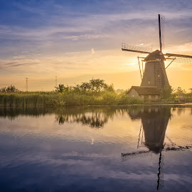 Windmill Overwaard No. 7 half an hour after Sunrise (05:55 A.M.) by Rémon Lourier - City,  Street & Park  Historic Districts ( reflection, colourful, holland, polder, historic district, sunrise, landscape, unesco, windmill )