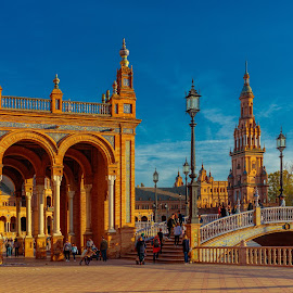 by Roberto Gonzalo - City,  Street & Park  Historic Districts