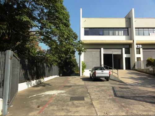 Excelente Galpão para alugar, 903 m² por R$ 25.000/mês - Tamboré - Barueri/SP
