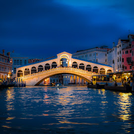Rialto by Jurica Žumberac - Buildings & Architecture Bridges & Suspended Structures ( venice, waterscape, night, nightscape, cityscape, historical, bridge, canal, river, water, lights, architecture )