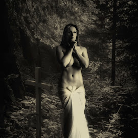 Save a prayer by Michel Lorente - Digital Art People ( nude, woman, pray, forest, cross,  )