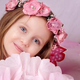 Bela by Anna Anastasova - Babies & Children Child Portraits ( little girl, girl, beautiful, beauty, portrait )