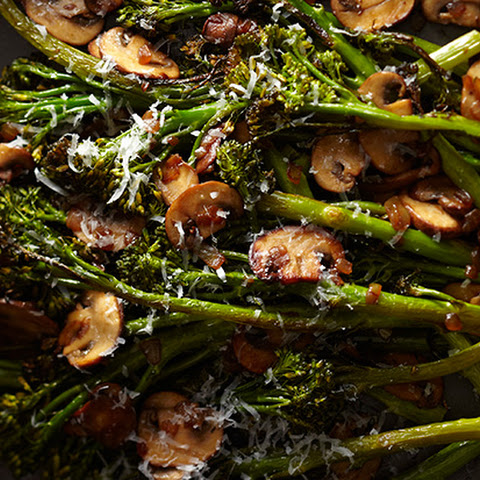 Roasted Broccolini with Winey Mushrooms