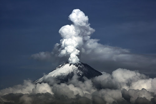 Into the clouds by Cristobal Garciaferro Rubio - Landscapes Mountains & Hills ( popocatepetl, smoking volcano )