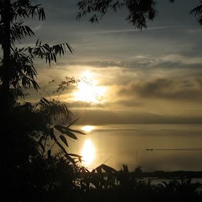 sunrise in a lake by Luther Lumentah - Landscapes Sunsets & Sunrises ( a800, canon, terbit, matahari, indonesia, tondano, sunrise, pocket camera, minahasa, manado )