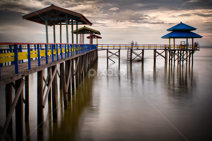 Wooden Pier by Nanto 사파이어 - Landscapes Beaches ( pwcreflections-dq )