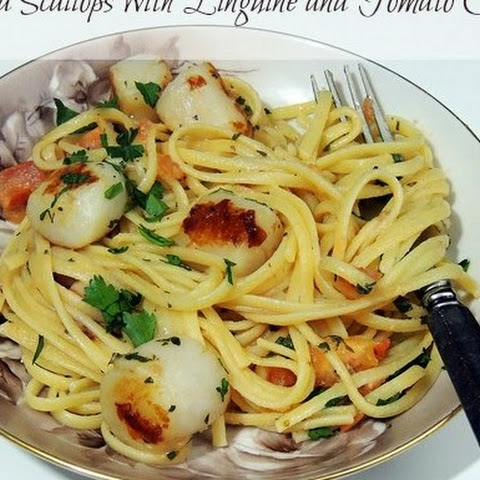 Pan Seared Scallops with Linguine and Tomato Cream Sauce for #SundaySupper