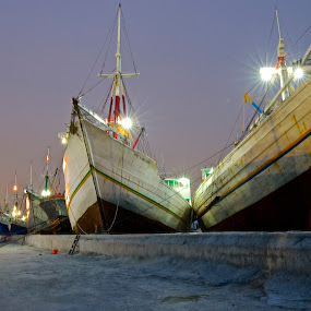 port of sunda kelapa by Iman S - Transportation Boats