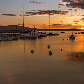 by Eseker RI - Landscapes Sunsets & Sunrises