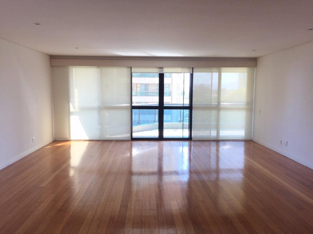 Apartamento residencial para locação, Barra da Tijuca, Rio de Janeiro - AP0330.