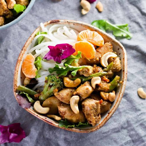 Spicy Thai Cashew Chicken Noodles