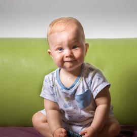 Octav by Alecu Gabriel - Babies & Children Child Portraits ( baby, smile )