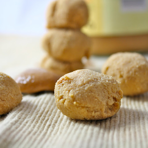 Peanut Butter Cookie Dough Balls (Vegan, Gluten Free, Low Calorie)