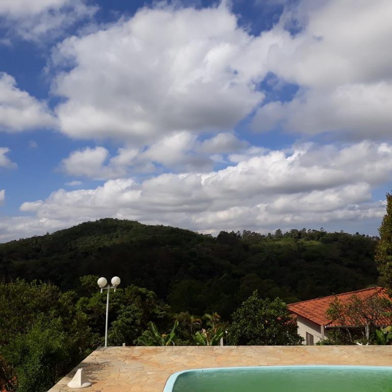 Chácara com 3 dormitórios à venda, 2000 m² - Santa Clara - Jundiaí/SP