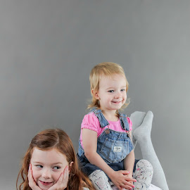 Caidence and Taylor by Jenny Hammer - Babies & Children Child Portraits ( pretty, smiles, poseing, sisters, cute )