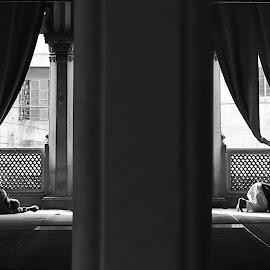 DUAL IMAGE by Surajit Dey - People Street & Candids