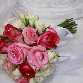 The brides bouquet by Elize Lombard - Wedding Bride ( brides bouquet, bouquet, bunch of flowers, pink bouquet )