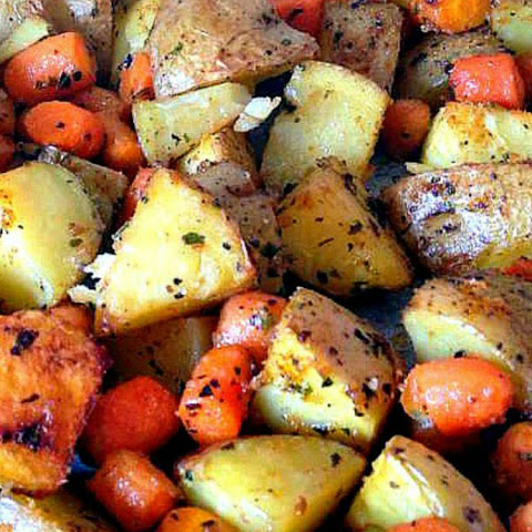 Spiced Oven Baked Potatoes and Baby Carrots
