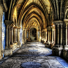 Gothic cloisters of the Cathedral of Oporto - Portugal by Henrique Melo - Buildings & Architecture Public & Historical ( sé do porto, gothic, oporto, cathedral, henrique melo, catedral, porto, cloisters )
