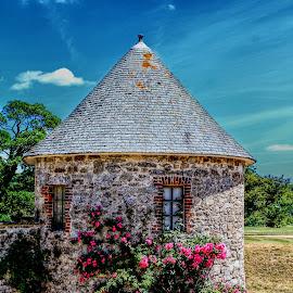 by Rhian Sampson - Buildings & Architecture Public & Historical