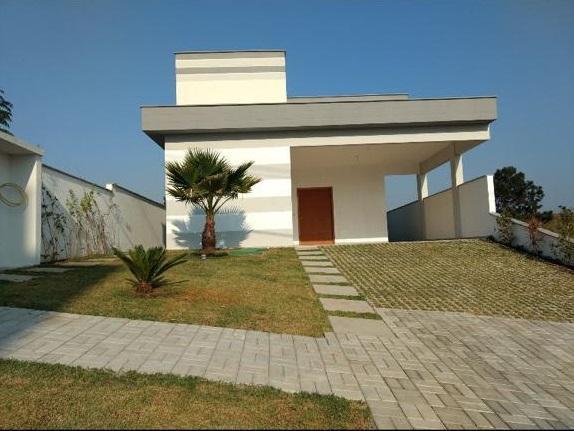 Maravilhosa Casa com 3 suítes à venda, 150 m² por R$ 850.000 - Condomínio alto padrão - Mogi das Cruzes/SP