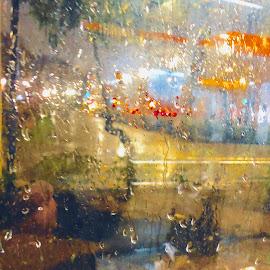 by Eirin Hansen - Abstract Water Drops & Splashes