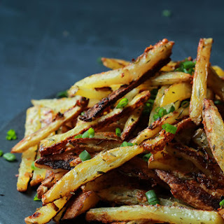 Crispy Baked Garlic Parmesan Fries