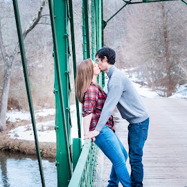 Engagement Bliss by Kimberly Dean - People Couples