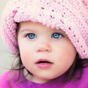 19.5 months Lilly hat3.jpg