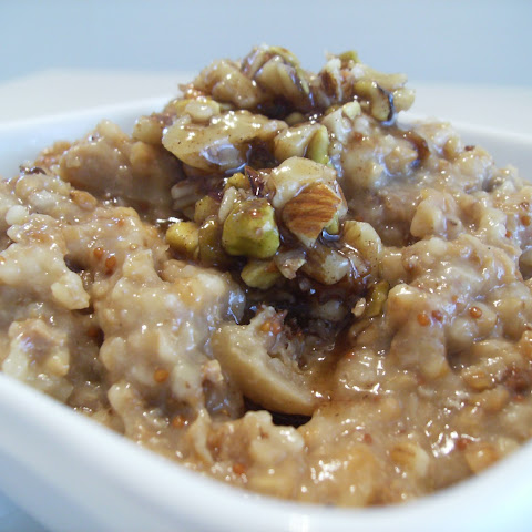 5/4 Slow Cooker Vanilla Fig Oatmeal with Baklava Topping