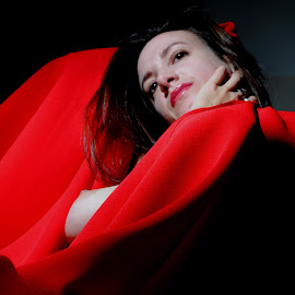 by DJ Cockburn - Nudes & Boudoir Artistic Nude ( sophie french, red, dark hair, sitting, topless, nude, home shoot, off-camera flash, woman, brunette )