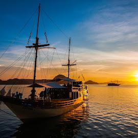 Gili Lawa ( Inodonesia Photo Tour )  by Loe  Na  - Transportation Boats