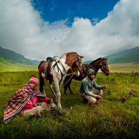 The Tengger Horsemen of Mount Bromo by Mdnoh Mnj - People Street & Candids