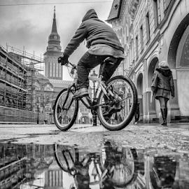 by Tijana Lubura - Black & White Sports