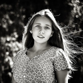 Marina by Sergey Kuznetsov - Black & White Portraits & People ( beauty, model, girl, summer, posing )