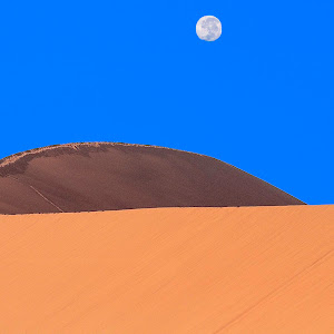 Pixoto dune and moon.jpg