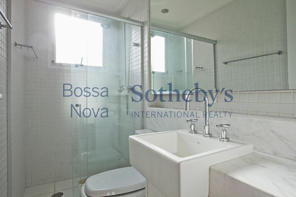 Ótimo apartamento , em localização privilegiada do Campo Belo.