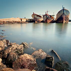 3 Sisters by Mario Wibowo - Transportation Boats ( foto escape, mario wibowo, 2012, muara baru, jakarta, transportation, boat )