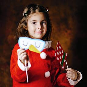 Xmas party by Nicu Buculei - Babies & Children Child Portraits ( girl, xmas, christmas, children, kids, portrait,  )
