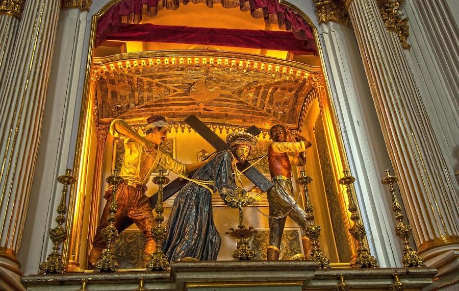.... verso la Crocifissione by Carmelo Parisi - Buildings & Architecture Statues & Monuments