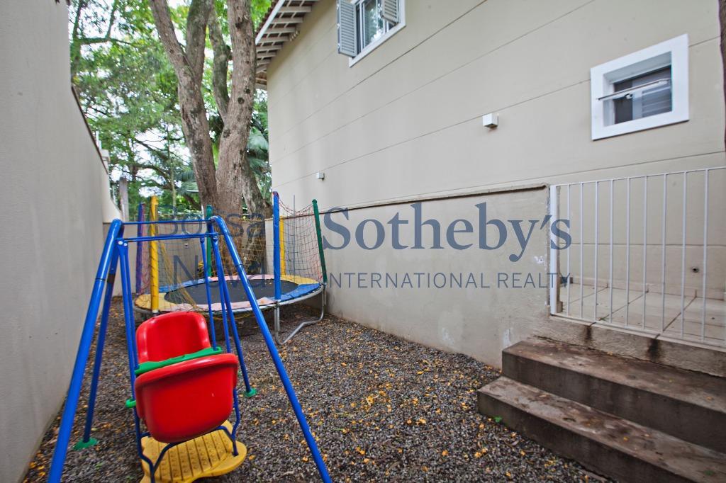 Casa de Condomínio Diferenciada no Panamby