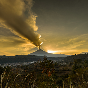 Raging Volcano by Cristobal Garciaferro Rubio - Landscapes Mountains & Hills ( popo, mexico, puebla, popocatepetl, eruption )
