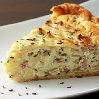 German Onion and Bacon Pie (Zwiebelkuchen)