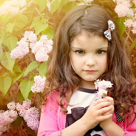 Lilac girl by Darya Morreale - Babies & Children Child Portraits ( girl, lilac, intense, flowers, spring )