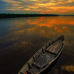 by Ar Yudha Pahrolrozy - Transportation Boats